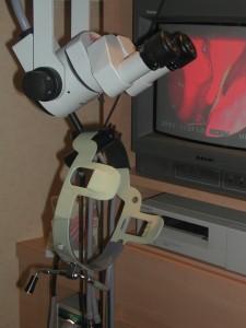 Microscope et colonne vidéo